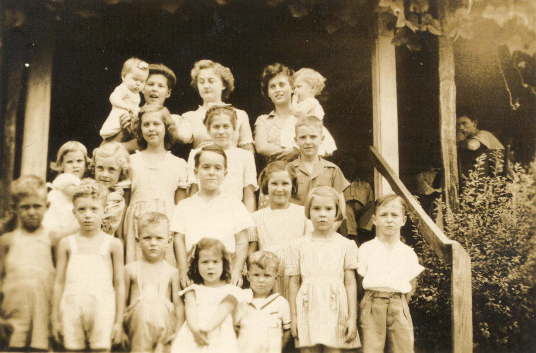 Colquitt grandchildren about 1946